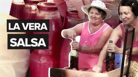 La salsa di pomodoro fatta in casa, una tradizione che conserva l'anima della nostra terra