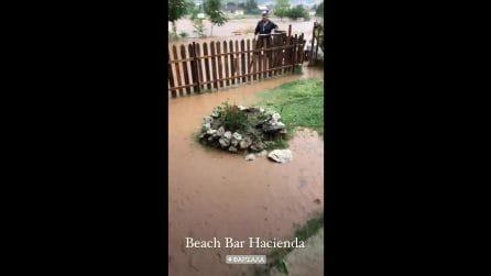 Inondazioni in Grecia, strade e case allagate: acqua e fango coprono tutto