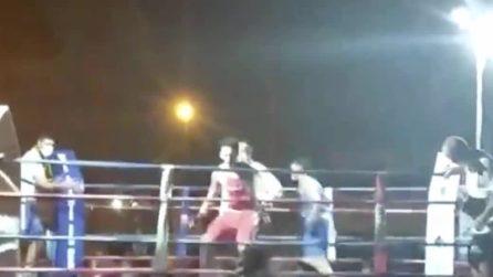 Recale, perde la gara di boxe: il padre lancia una sedia sui giudici e ferisce tre persone