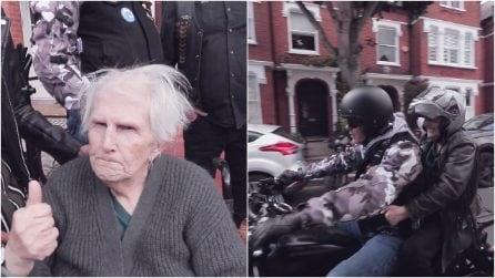 Realizza l'ultimo desiderio di sua madre, malata terminale: sfrecciare su un'Harley-Davidson