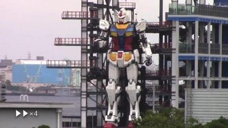 Robot alto 18 metri muove i primi passi in Giappone