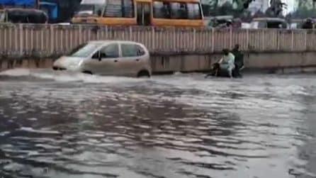 India, Mumbai allagata per le forti piogge