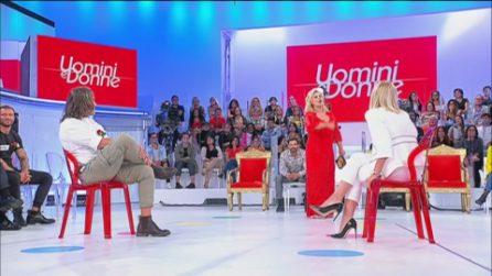 """Uomini e Donne. Paolo chiude con Gemma, Tina: """"Bravo"""""""