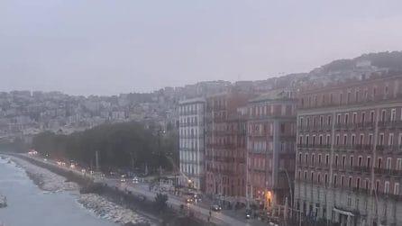 Tornano le automobili sul Lungomare di Napoli