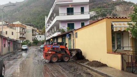 Maltempo, colata di fango a Sarno: sfollate 250 persone