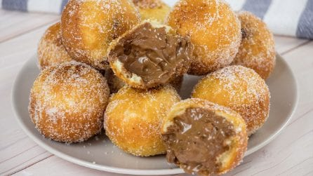Donuts balls: fluffy and delicious!