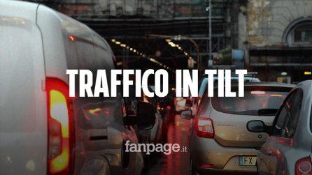 Napoli, inferno traffico con la chiusura della Galleria Vittoria: mezza città bloccata