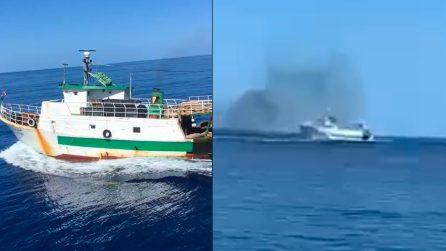 Lampedusa, peschereccio tunisino ignora l'alt e sperona motovedetta italiana. Aperto il fuoco
