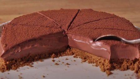 Torta al cioccolato senza cottura: il dessert goloso che si scioglie in bocca