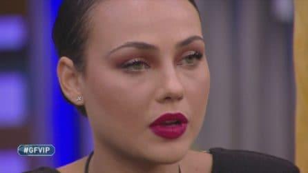 """GF VIP, Adua Del Vesco: """"L'anoressia causata anche dalla finzione che era la mia vita"""""""