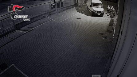 Torino, razziavano le aziende e minacciavano i camionisti col taser: sgominata banda