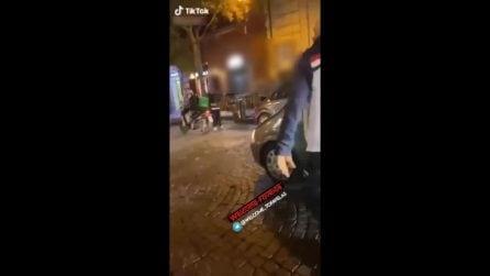 Lite al Vomero per il parcheggio, uomo aggredisce i vigili e viene bloccato