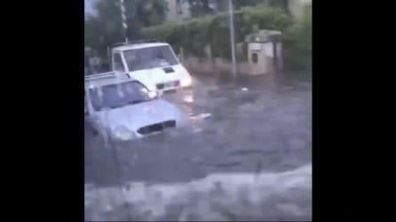 Maltempo Puglia, auto sommerse e allagamenti in Salento