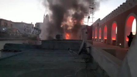Incendio nel Palazzo Merlato di Procida