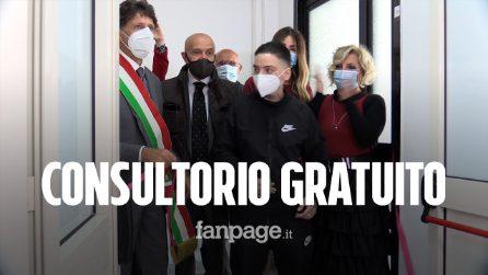 """Ciro Migliore inaugura un consultorio gratuito per trans: """"Non abbiate paura di amare"""""""