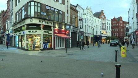 L'Irlanda in nuovo lockdown, le immagini di Dublino semideserta