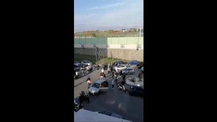 Ercolano, manifestanti bloccano la strada per protestare contro chiusura del mercato