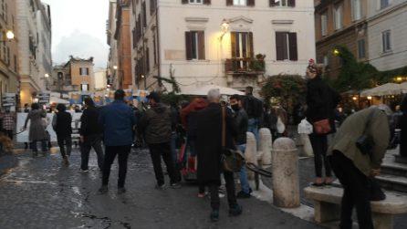Roma, manifestazione al rione Monti contro le restrizioni anticovid
