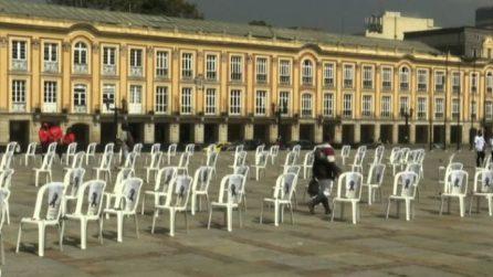 Colombia, sedie vuote per medici e infermieri vittime del covid