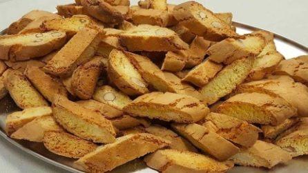 Cantucci alle mandorle: la ricetta per preparare i golosi biscotti