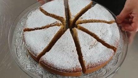 Torta di mele frullate: la ricetta del dessert soffice e goloso