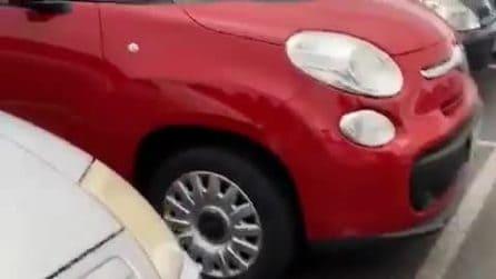Zingonia, dimesso dal pronto soccorso distrugge con una spranga le auto di medici e infermieri