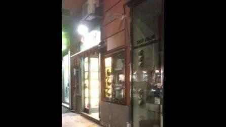 Napoli, negozi spengono le luci per 15 minuti per protestare contro le norme anti contagio
