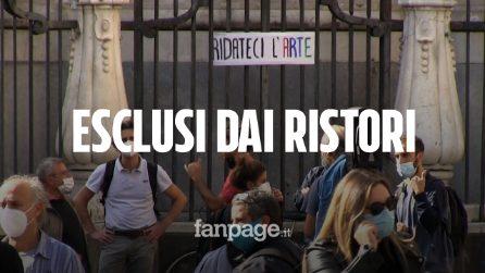 """Napoli, lavoratori dello spettacolo in piazza: """"Esclusi dal Decreto ristori, ci servono sostegni"""""""