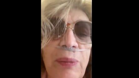 """Iva Zanicchi ancora in ospedale con Covid: """"pensavo di tornare a casa ma ancora no"""" (VIDEO)"""