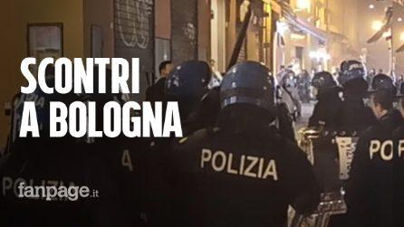 Bologna, la manifestazione dei riders finisce con scontri, vandalismi e due fermi