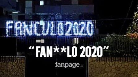 """Fanculo 2020, le luminarie in Puglia contro l'anno del Covid: """"Mandiamo via quest'anno bruttissimo"""""""