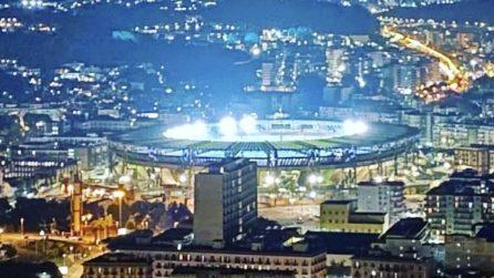 Diego Armando Maradona, stadio San Paolo illuminato per la morte del campione