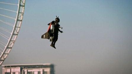 """Morto il """"Jetman"""" Vince Reffet, volò sopra i grattacieli di Dubai"""