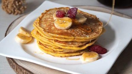 Pancakes con frutta: la ricetta per averli perfetti e gustarli quando si vuole