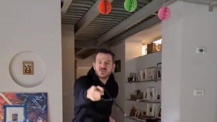 """Alessandro Cattelan annuncia il ritorno a X Factor: """"Indovinate chi è tornato?"""""""