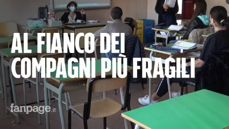 Bologna, studenti tornano in classe per aiutare i loro compagni disabili
