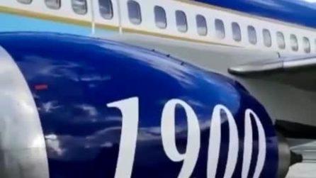 Il video dell'aereo della Lazio in partenza per Crotone: toppe sulla carlinga e gomme lisce