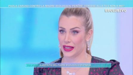 """Domenica Live - Paola Caruso contro la madre biologica: """"Non mi ha detto la verità"""""""