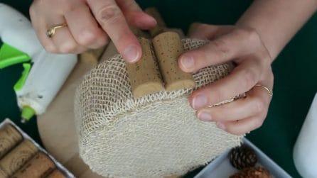 Centrotavola natalizio con tappi di sughero: l'idea davvero originale