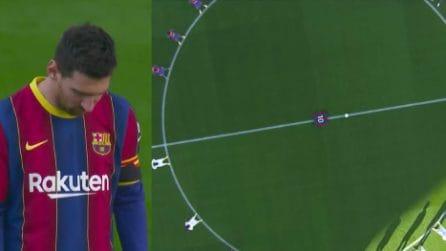 La numero 10 in mezzo al campo: l'emozionante omaggio del Barcellona a Maradona