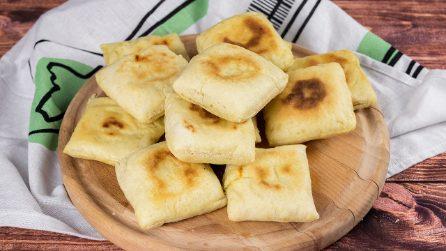 Panini ripieni di pollo: l'idea sfiziosa per un antipasto pieno di sapore!