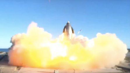 L'esplosione del razzo Spaceship di SpaceX