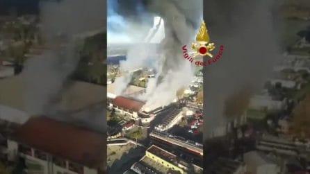 Roma, incendio via Salaria: le immagini dall'alto