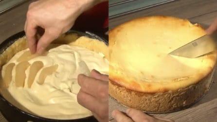 Cheesecake alle pere super cremosa: il dessert che farà impazzire tutti