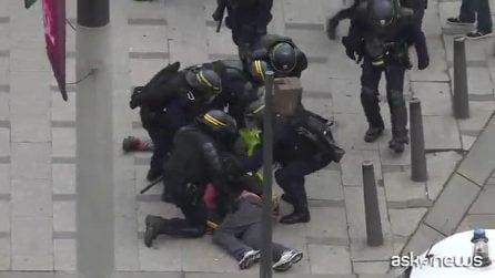 """Parigi, primi incidenti a manifestazione """"gilet gialli"""""""