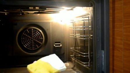 Come pulire il forno in maniera naturale: il metodo perfetto