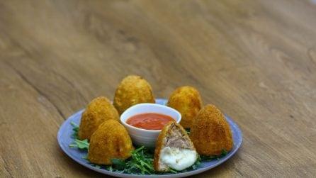 Crocchette di carne dal cuore morbido: il modo in cui le prepara è geniale!