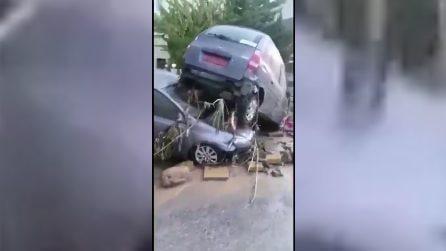 Cipro, maltempo e alluvione: vittime e dispersi, distrutte auto e case