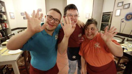 La Locanda dei Girasoli, dove lavorano solo ragazzi con la sindrome di Down, rischia la chiusura