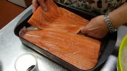 Marinare il salmone: ecco come farlo in casa